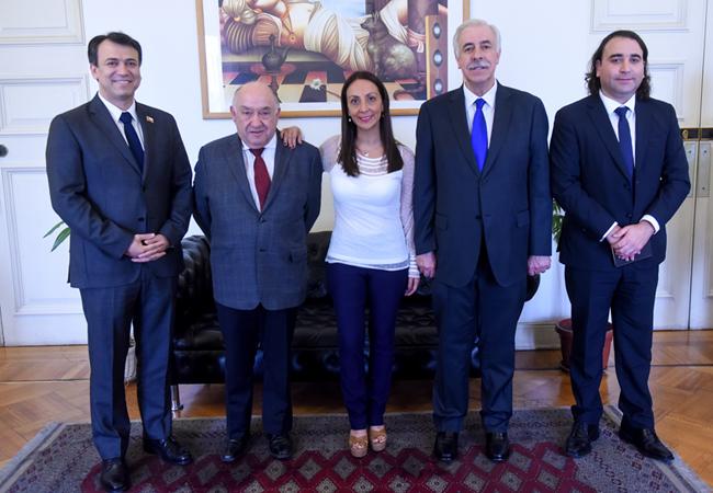 Arcatel y Ministra Pérez_nota